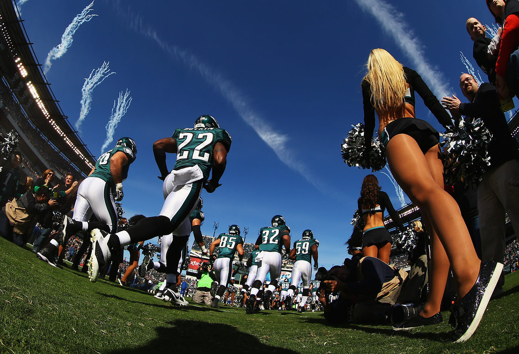 . Brandon Boykin #22 of the Philadelphia Eagles takes the field with the rest of his team against the New York Giants at Lincoln Financial Field on October 27, 2013 in Philadelphia, Pennsylvania.  (Photo by Al Bello/Getty Images)