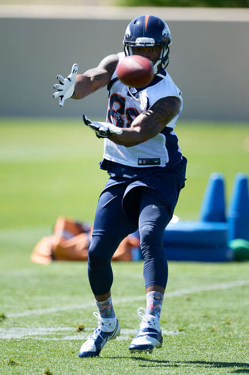 . Denver Broncos Demaryius Thomas (88) catches a pass during practice May 28, 2014 at Dove Valley. (Photo by John Leyba/The Denver Post)