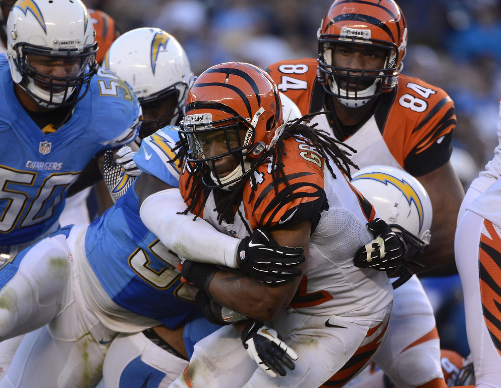 . BenJarvus Green-Ellis #42 of the Cincinnati Bengals runs the ball against the San Diego Chargers during their game on December 1, 2013 at Qualcomm Stadium in San Diego, California. (Photo by Donald Miralle/Getty Images)