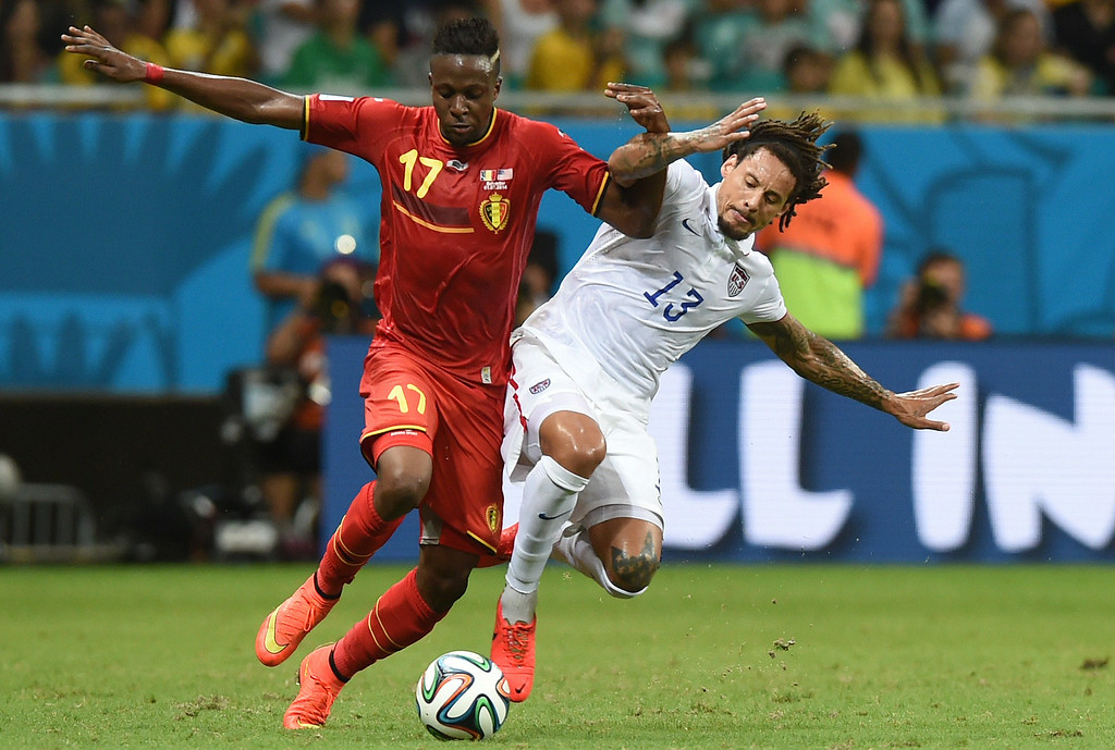 . Belgium\'s forward Divock Origi (L) vies with US midfielder Jermaine Jones during a Round of 16 football match between Belgium and USA at Fonte Nova Arena in Salvador during the 2014 FIFA World Cup on July 1, 2014.      AFP PHOTO/ FRANCISCO  LEONG/AFP/Getty Images