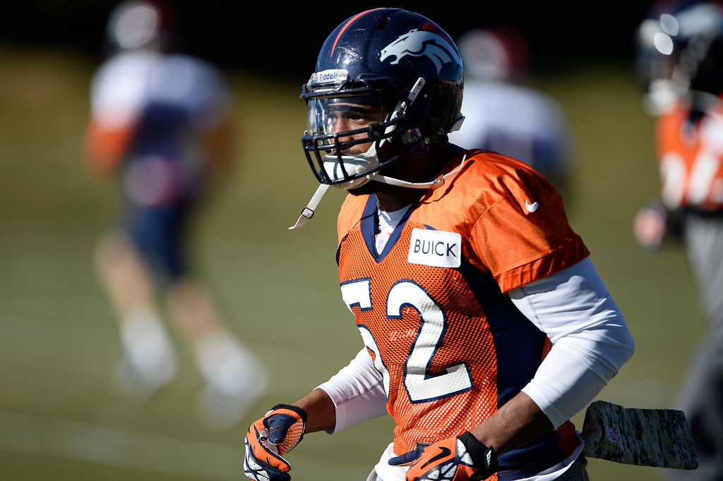 . Denver Broncos middle linebacker Wesley Woodyard (52) heads to drills during practice November 27, 2013 at Dove Valley (Photo by John Leyba/The Denver Post)