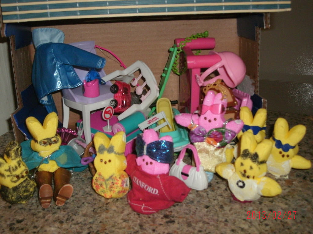 . Storage Wars A La Peep. Cheryl Brungardt, Adult