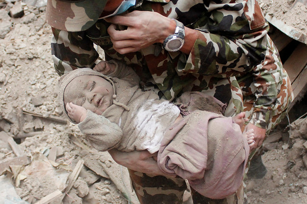 PHOTOS: More than 1,180 killed in Nepal earthquake