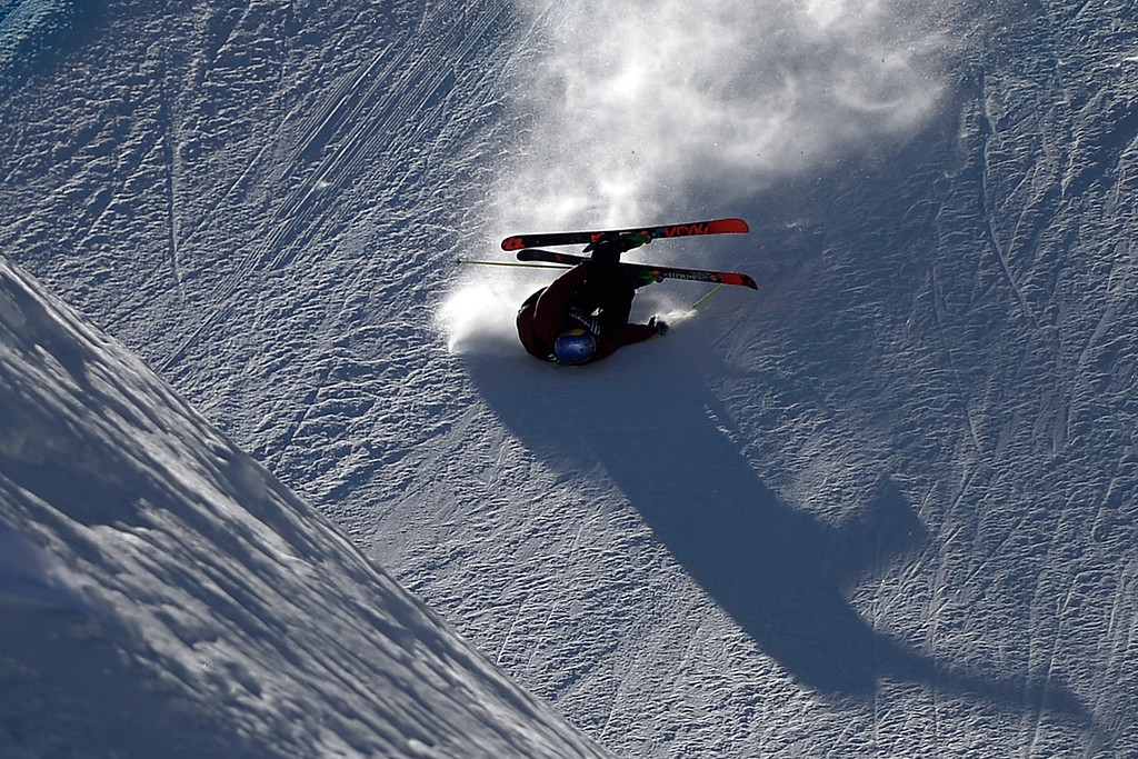 . Russ Henshaw wrecks during the men\'s ski slopestyle final. X Games Aspen at Buttermilk on Friday, January 25, 2014. (Photo by AAron Ontiveroz/The Denver Post)