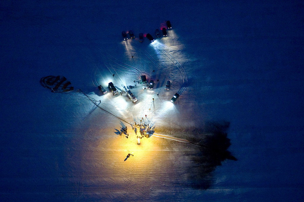 . The Soyuz TMA-05M spacecraft is seen shortly after it landed with the International Space Station (ISS) crew of Japanese astronaut Akihiko Hoshide, Russian cosmonaut Yuri Malenchenko and U.S. astronaut Sunita Williams near the town of Arkalyk in northern Kazakhstan November 19, 2012.  REUTERS/Sergei Remezov