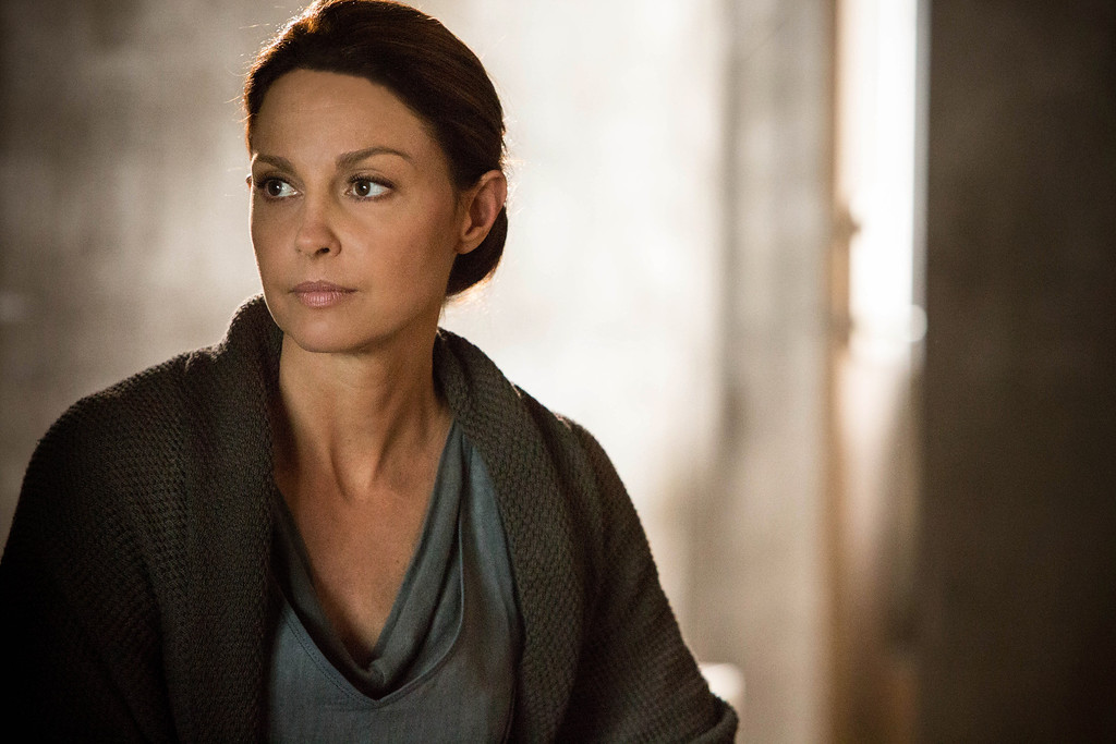 ". This image released by Summit Entertainment shows Ashley Judd in a scene from ""Divergent.\"" (AP Photo/Summit Entertainment, Jaap Buitendijk)"