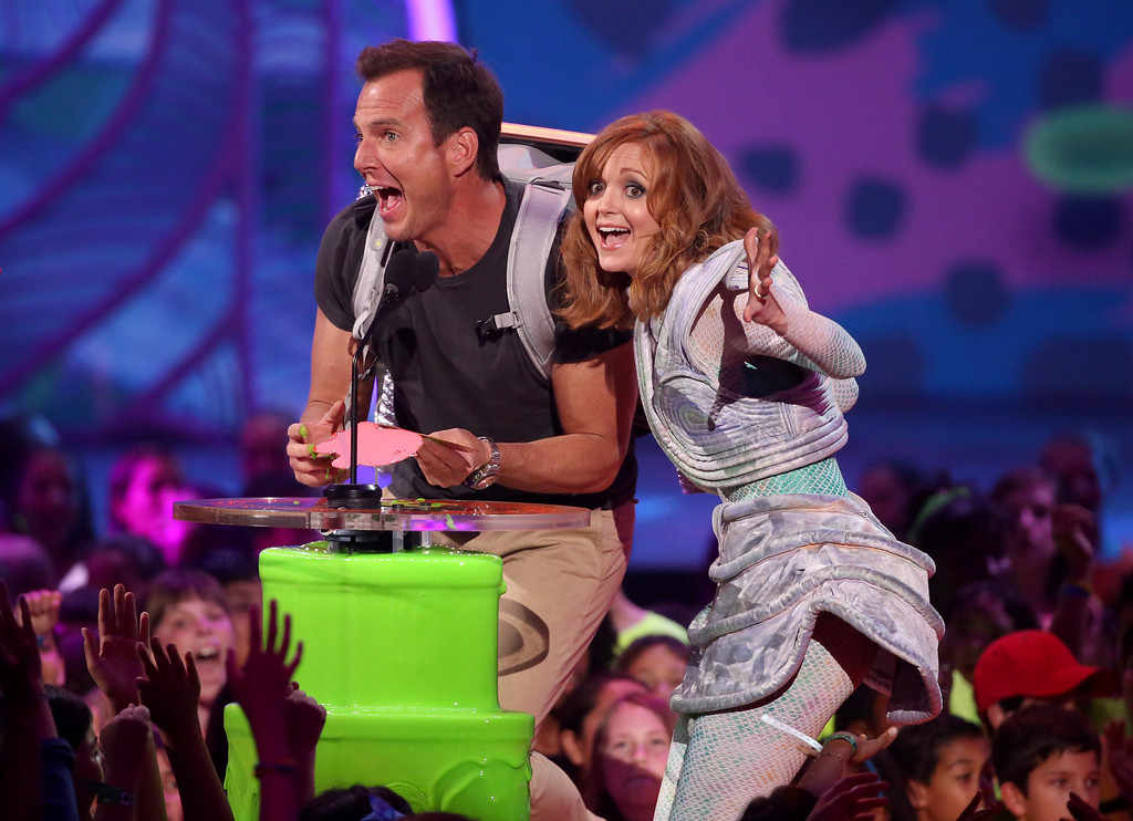 . Will Arnett, left, and Jayma Mays present the award for favorite TV show at the 27th annual Kids\' Choice Awards at the Galen Center on Saturday, March 29, 2014, in Los Angeles. (Photo by Matt Sayles/Invision/AP)
