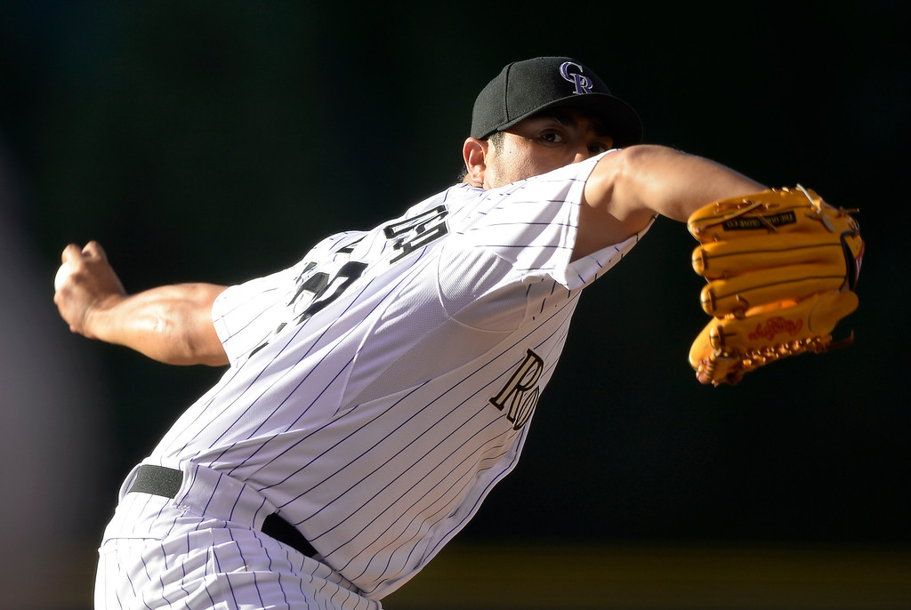 . Colorado Rockies starting pitcher Jorge De La Rosa (29) delivers a pitch against the Arizona Diamondbacks during the first inning on Tuesday, June 3, 2014 at Coors Field. (Photo by John Leyba/The Denver Post)