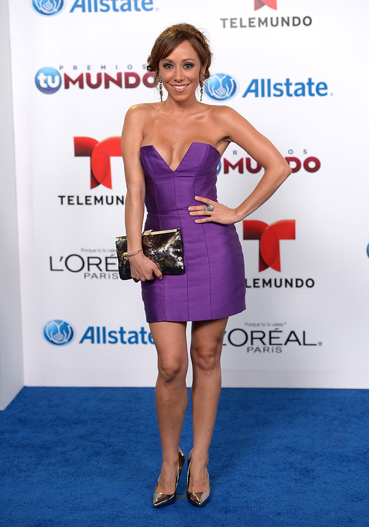 . MIAMI, FL - AUGUST 15:  Nadia Escobar arrives for Telemundo\'s Premios Tu Mundo Awards at American Airlines Arena on August 15, 2013 in Miami, Florida.  (Photo by Gustavo Caballero/Getty Images)
