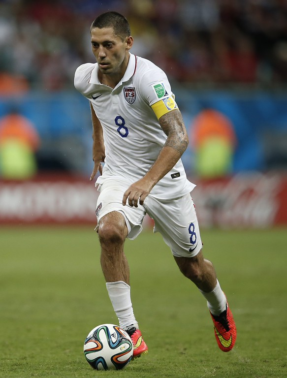 . US forward Clint Dempsey controls the ball during extra-time in the Round of 16 football match between Belgium and USA at The Fonte Nova Arena in Salvador on July 1, 2014, during the 2014 FIFA World Cup. AFP PHOTO / ADRIAN  DENNIS/AFP/Getty Images