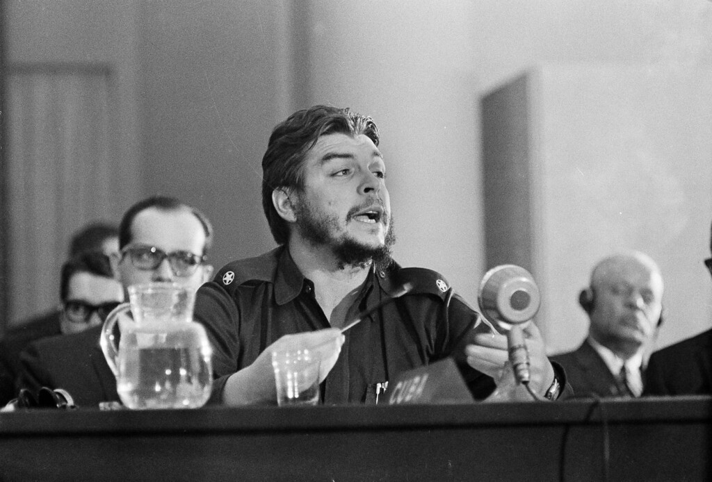 """. Cuban Economic Minister Ernesto \""""Che\"""" Guevara speaks during the closing session of the Inter-American Economic Conference at Punta del Este, Uruguay, Aug. 17, 1961.  (AP Photo)"""