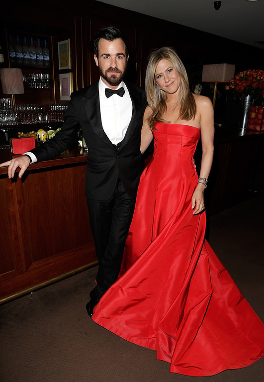 . Justin Theroux and Jennifer Anistson attend the 2013 Vanity Fair Oscar Party hosted by Graydon Carter at Sunset Tower on February 24, 2013 in West Hollywood, California.  (Photo by Jeff Vespa/Getty Images for Vanity Fair)