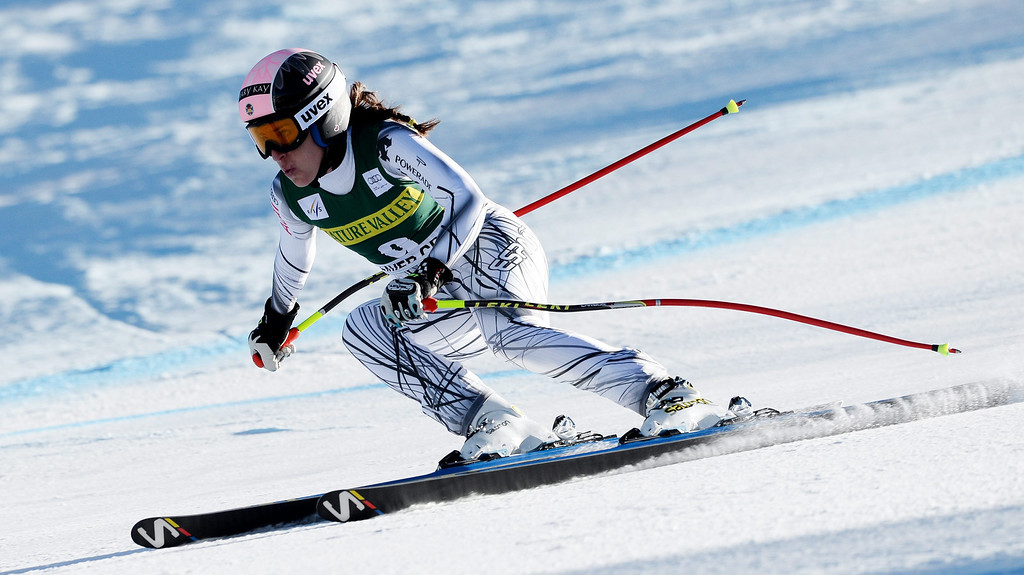 . Skier Carolina Ruiz Castillo of Spain,  takes a turn during the women\'s downhill race at the FIS World Cup Alpine Skiing in Beaver Creek, Colorado, USA, 29 November 2013.  EPA/JUSTIN LANE