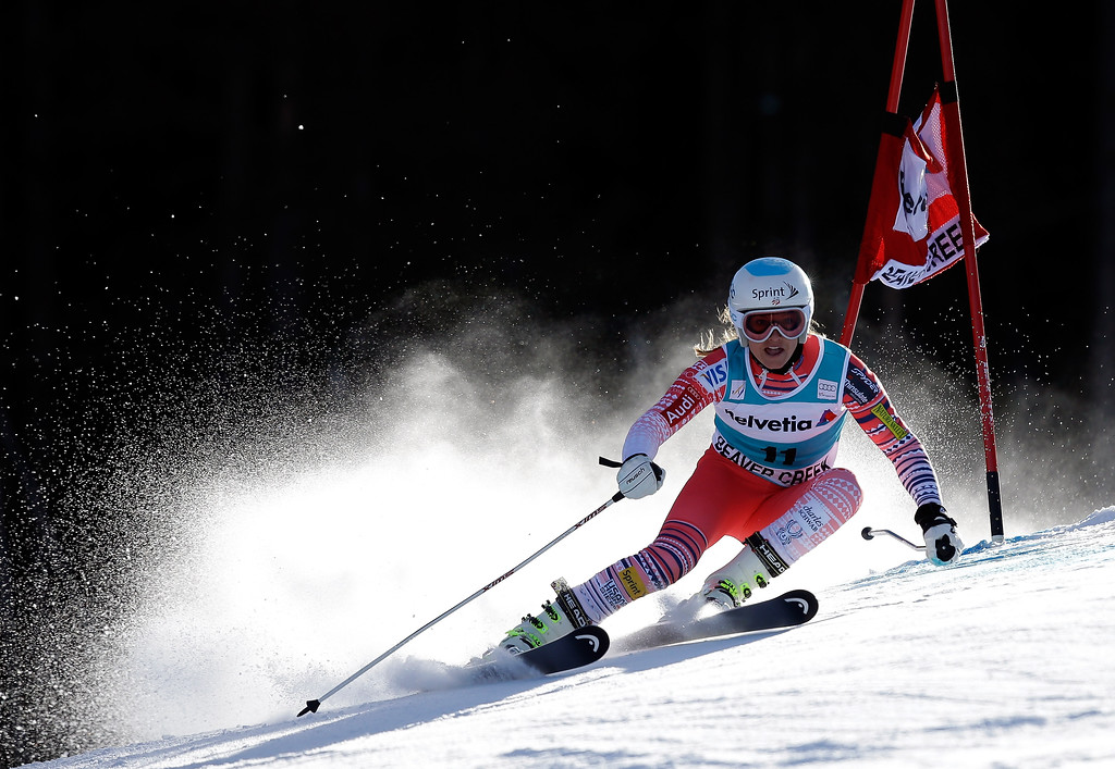 . Julia Mancuso of the USA in action during the first run of the FIS Beaver Creek Ladies\' Giant Slalom World Cup Race  on December 1, 2013 in Beaver Creek, Colorado.  (Photo by Ezra Shaw/Getty Images)