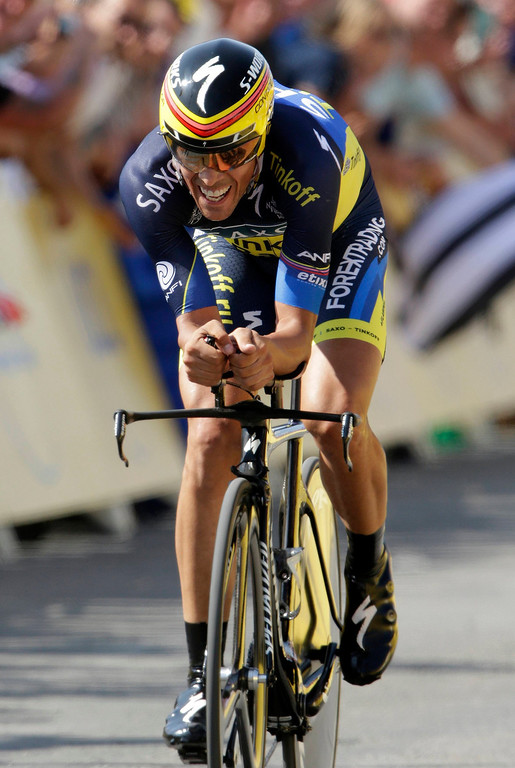 . Team Saxo-Tinkoff rider Alberto Contador of Spain cycles during the 32 km individual time trial eleventh stage of the centenary Tour de France cycling race from Avranches to Mont-Saint-Michel July 10, 2013.    REUTERS/Jacky Naegelen