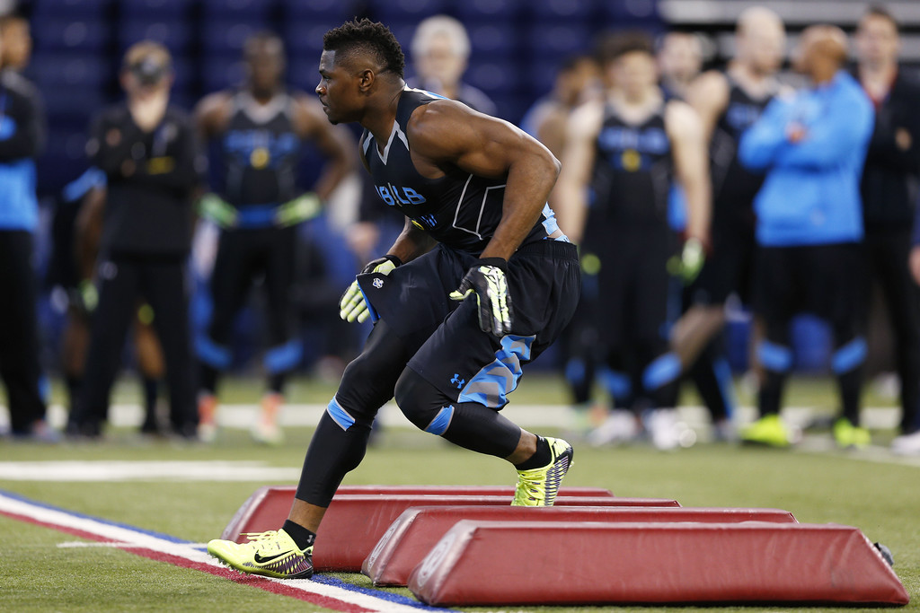 . Former Buffalo linebacker Khalil Mack takes part in a position drill during the 2014 NFL Combine at Lucas Oil Stadium on February 24, 2014 in Indianapolis, Indiana. (Photo by Joe Robbins/Getty Images)