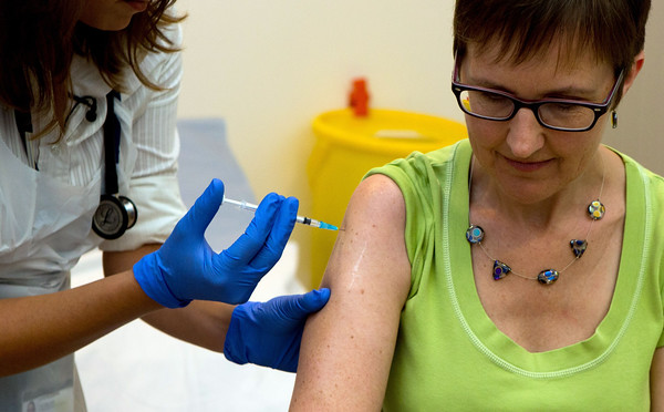 PHOTO: Ebola vaccine given to first volunteer