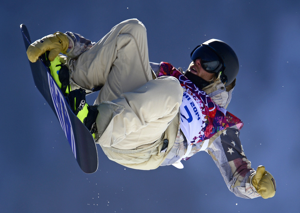 . US Sage Kotsenburg competes in the Men\'s Snowboard Slopestyle second heat qualification at the Rosa Khutor Extreme Park during the Sochi Winter Olympics on February 6, 2014.  AFP PHOTO / JAVIER SORIANO/AFP/Getty Images