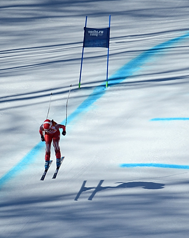 . Switzerland\'s Dominique Gisin skis in the Women\'s Alpine Skiing Downhill at the Rosa Khutor Alpine Center during the Sochi Winter Olympics on February 12, 2014.   AFP PHOTO / KIRILL  KUDRYAVTSEV/AFP/Getty Images