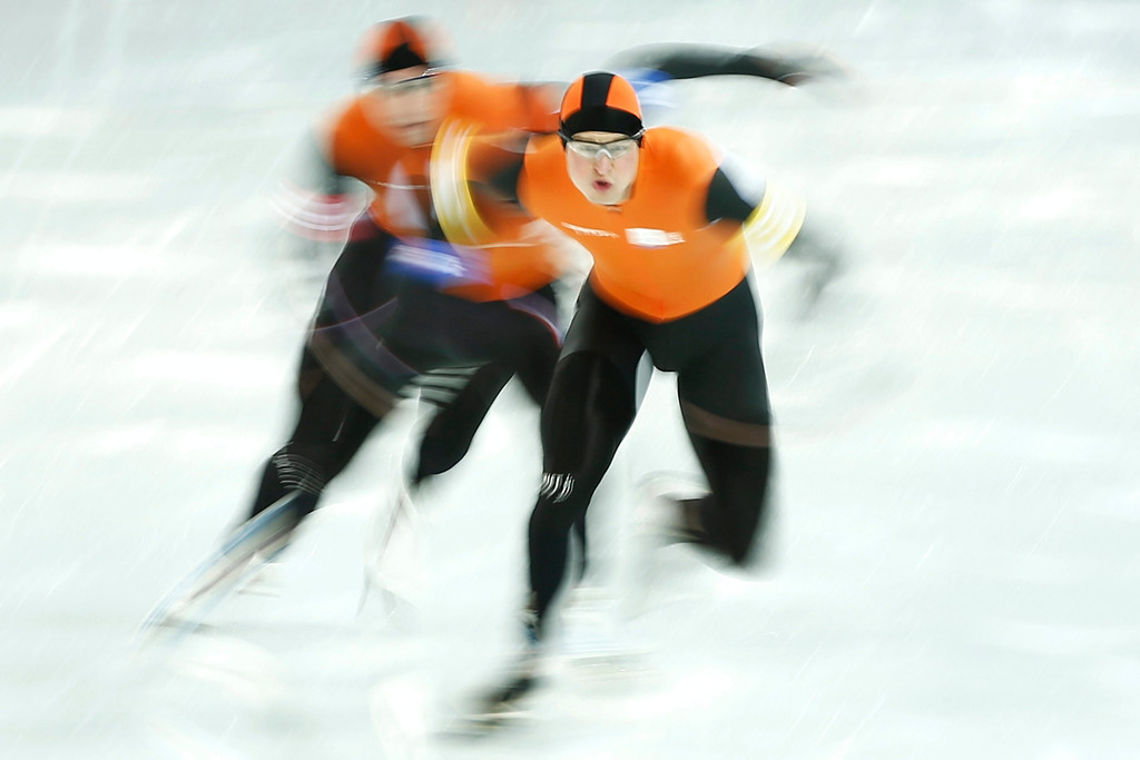 . (L-R) Jan Blokhuijsen, Koen Verweij, Sven Kramer of the Netherlands in action during the Men\'s Team Pursuit Semifinal Speed Skating event in the Adler Arena at the Sochi 2014 Olympic Games, Sochi, Russia, 21 February 2014.  EPA/VINCENT JANNINK