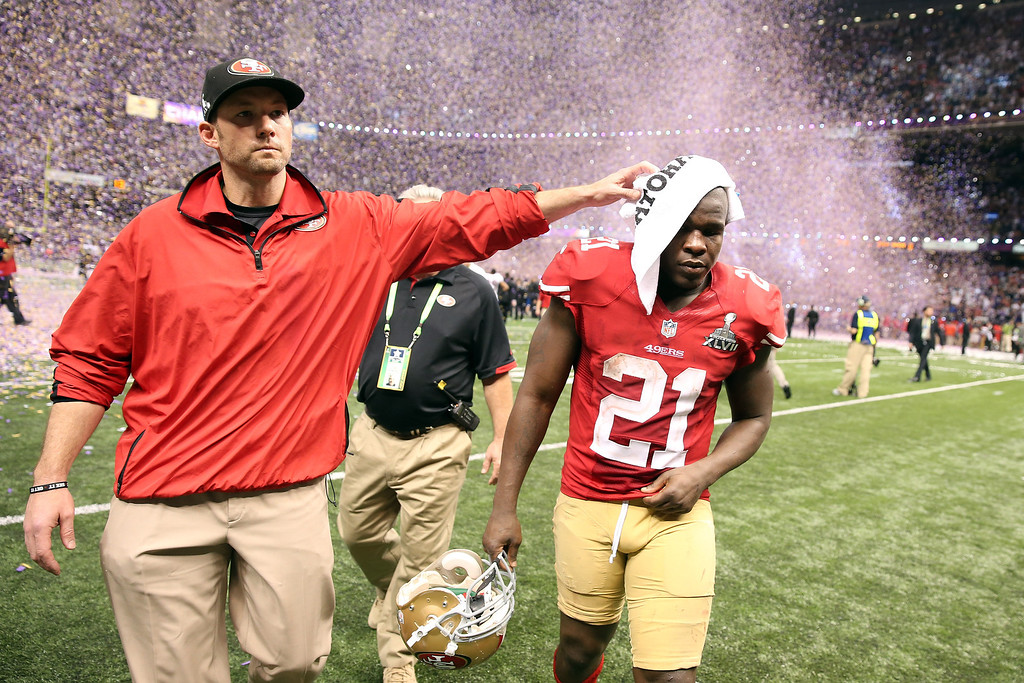 . Frank Gore #21 of the San Francisco 49ers walks off of the field dejected after the Baltimore Ravens won 34-31 during Super Bowl XLVII at the Mercedes-Benz Superdome on February 3, 2013 in New Orleans, Louisiana.  (Photo by Christian Petersen/Getty Images)