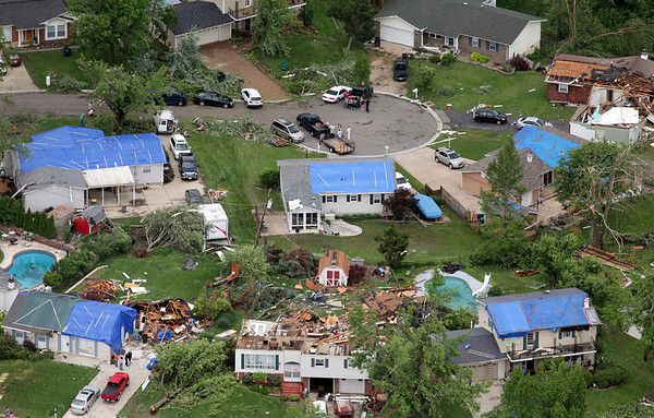 Photos: Tornadoes Slam Oklahoma, Missouri