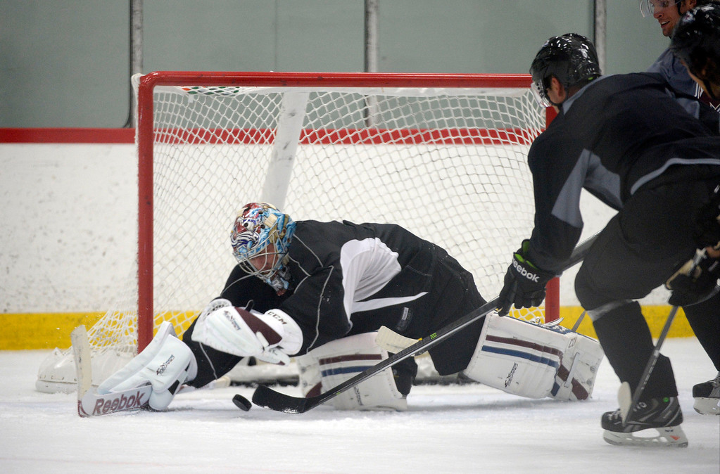 . Colorado Avalanche G Semyon Varlamov (1) stretches to make a save during practice September 9, 2013 at Family Sports Ice Arena. (Photo By John Leyba/The Denver Post)