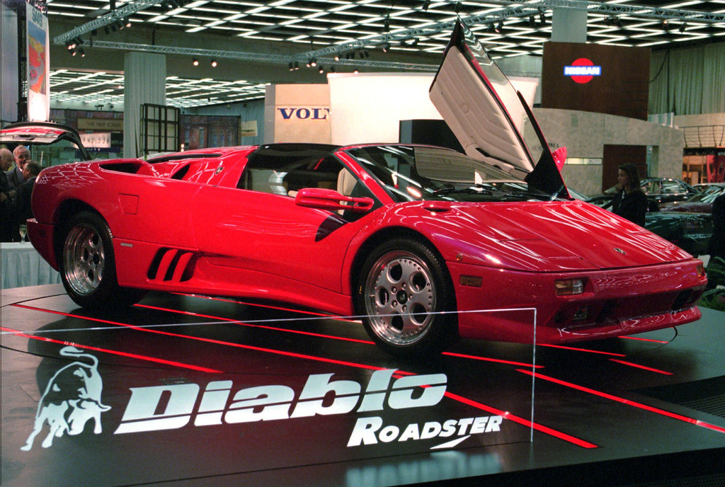 . he Lamborghini Diablo Roadster VT spins on a turntable at the North American International Auto Show in Detroit in this January 2, 1996 file photo.(AP Photo/Jeff Kowalsky)
