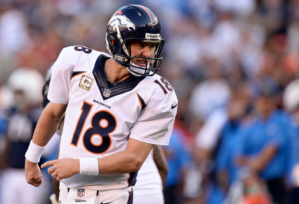 . Denver Broncos quarterback Peyton Manning (18) looks back to yell out the play during the third quarter agains the San Diego Chargers at Qualcomm Stadium. (Photo by John Leyba/The Denver Post)
