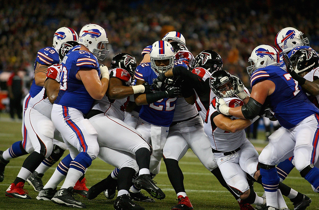 . Fred Jackson #22 of the Buffalo Bills drives to score Buffalo\'s second touchdown against the Atlanta Falcons at Rogers Centre on December 1, 2013 in Toronto, Ontario.  (Photo by Rick Stewart/Getty Images)