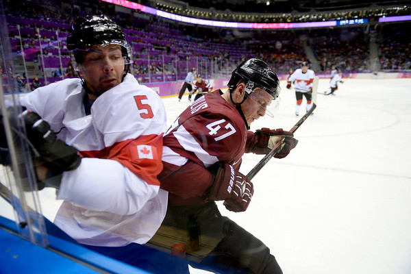 PHOTOS: Men's Ice Hockey Quarterfinals at 2014 Sochi Winter Olympics