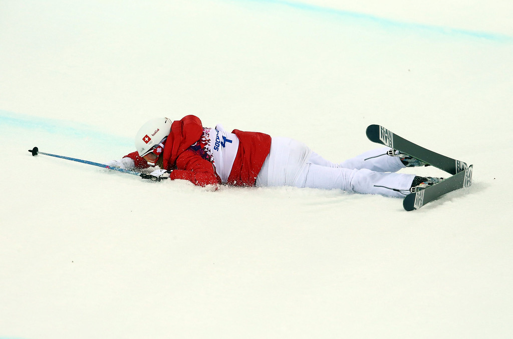 . Mirijam Jaeger of Switzerland lies in the snow during the Women\'s Freestyle Skiing Halfpipe Final in Rosa Khutor Extreme Park at the Sochi 2014 Olympic Games, Krasnaya Polyana, Russia, 20 February 2014.  EPA/Michael Kappeler
