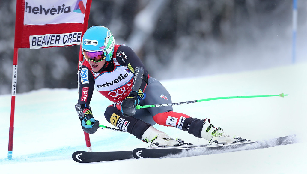 . Ted Ligety of the USA on his way to taking first place clears a gate during the men\'s Giant Slalom race at the FIS World Cup Alpine Skiing in Beaver Creek, Colorado, USA, 08 December 2013.  EPA/GEORGE FREY