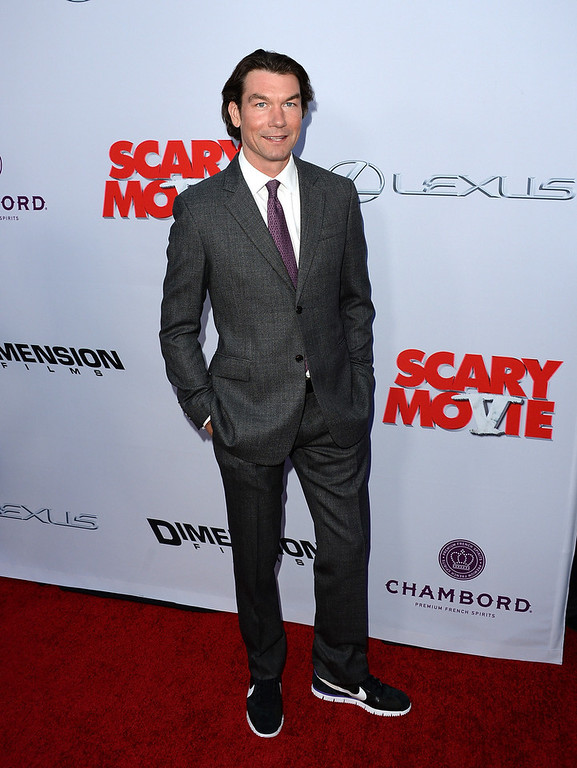 """. Actor Jerry O\'Connell arrives at the Dimension Films\' \""""Scary Movie 5\"""" premiere at the ArcLight Cinemas Cinerama Dome on April 11, 2013 in Hollywood, California.  (Photo by Jason Merritt/Getty Images)"""