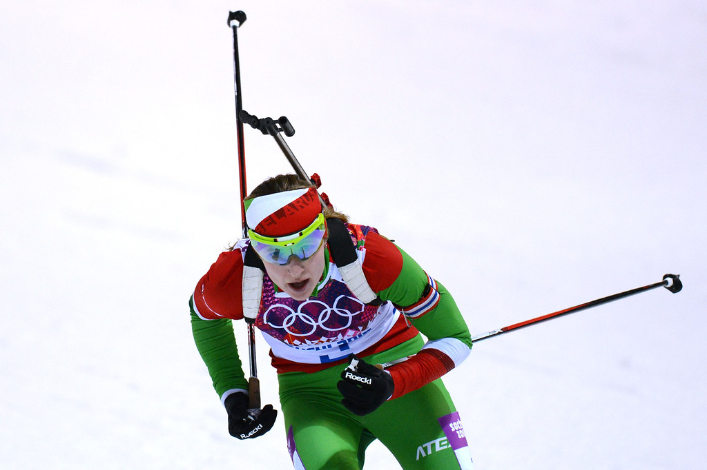 . Belarus\' Darya Domracheva competes to win gold in the Women\'s Biathlon 12,5 km Mass Start at the Laura Cross-Country Ski and Biathlon Center during the Sochi Winter Olympics on February 17, 2014, in Rosa Kuthor, near Sochi.   AFP PHOTO / KIRILL KUDRYAVTSEV/AFP/Getty Images