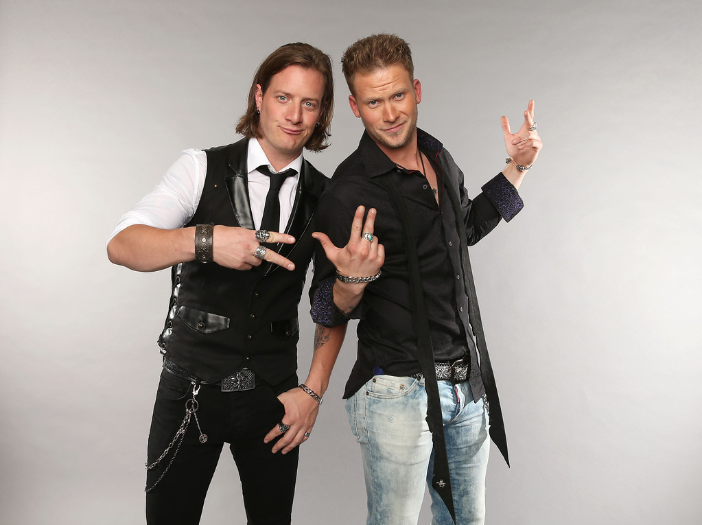 . NASHVILLE, TN - JUNE 05:  (L-R) Tyler Hubbard and Brian Kelley of Florida Georgia Line pose at the Wonderwall portrait studio during the 2013 CMT Music Awards at Bridgestone Arena on June 5, 2013 in Nashville, Tennessee.  (Photo by Christopher Polk/Getty Images for Wonderwall)