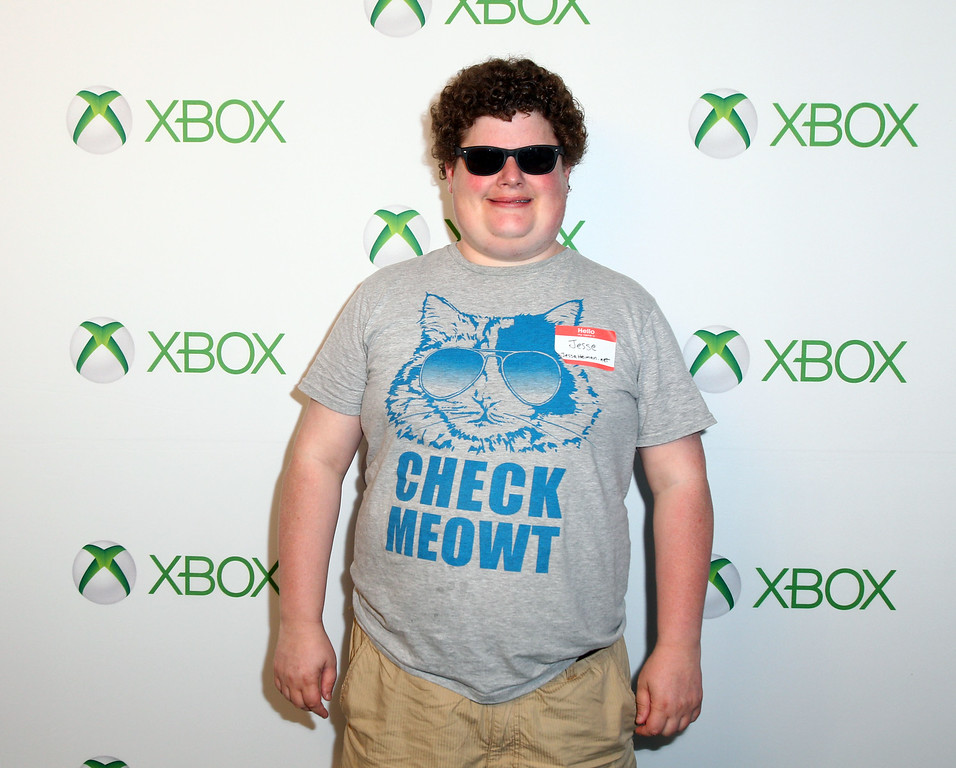 . SAN DIEGO, CA - JULY 19:  Actor Jesse Heiman plays Xbox One at Comic-Con 2013 at the Hard Rock Hotel San Diego on July 19, 2013 in San Diego, California.  (Photo by Joe Scarnici/Getty Images for Xbox)