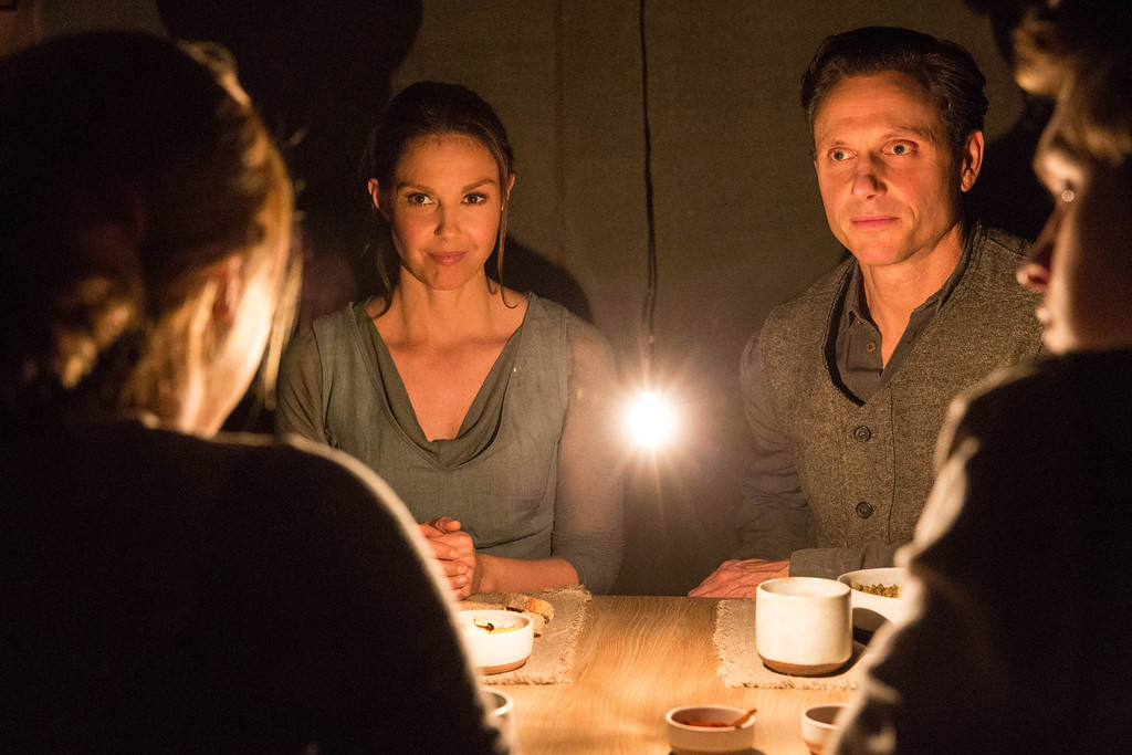 ". This image released by Summit Entertainment shows Ashley Judd, left, and Tony Goldwyn in a scene from ""Divergent.\"" (AP Photo/Summit Entertainment, Jaap Buitendijk)"
