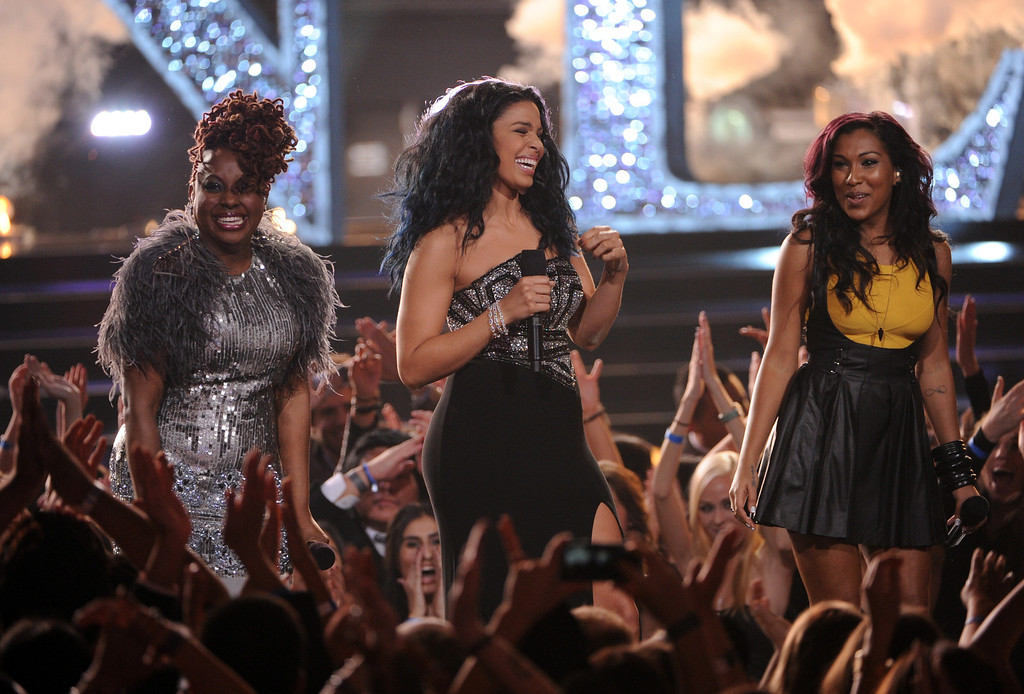 """. LOS ANGELES, CA - DECEMBER 16:  (L-R) Singers Ledisi, Jordin Sparks and Melanie Fiona perform onstage during \""""VH1 Divas\"""" 2012 at The Shrine Auditorium on December 16, 2012 in Los Angeles, California.  (Photo by Kevin Winter/Getty Images)"""