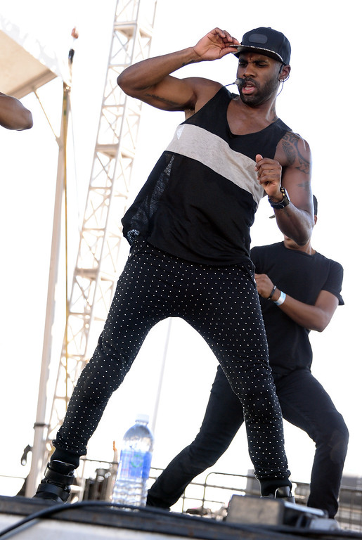 . Entertainer Jason Derulo performs onstage during the iHeart Radio Music Festival Village on September 21, 2013 in Las Vegas, Nevada.  (Photo by Jason Kempin/Getty Images for Clear Channel)