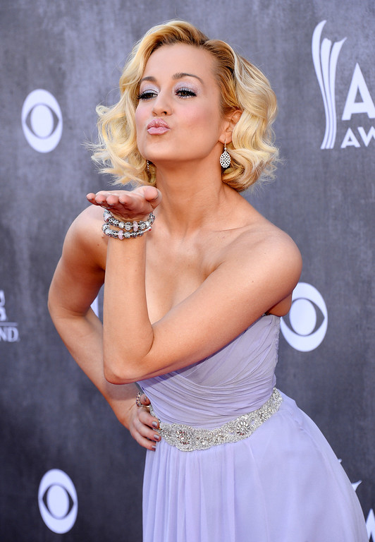 . Kellie Pickler arrives at the 49th annual Academy of Country Music Awards at the MGM Grand Garden Arena on Sunday, April 6, 2014, in Las Vegas. (Photo by Al Powers/Powers Imagery/Invision/AP)