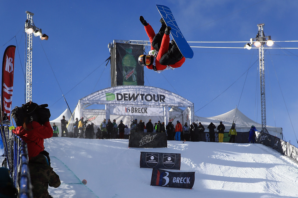 . Greg Bretz soars above the halfpipe during practice before going on to win the men\'s snowboard superpipe final at the Dew Tour iON Mountain Championships on December 14, 2013 in Breckenridge, Colorado. (Photo by Doug Pensinger/Getty Images)