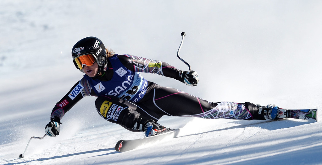 . Skier Julia Ford, of the US, loses control during the women\'s Super-G race at the FIS World Cup Alpine Skiing in Beaver Creek, Colorado, USA, 30 November 2013.  EPA/JUSTIN LANE