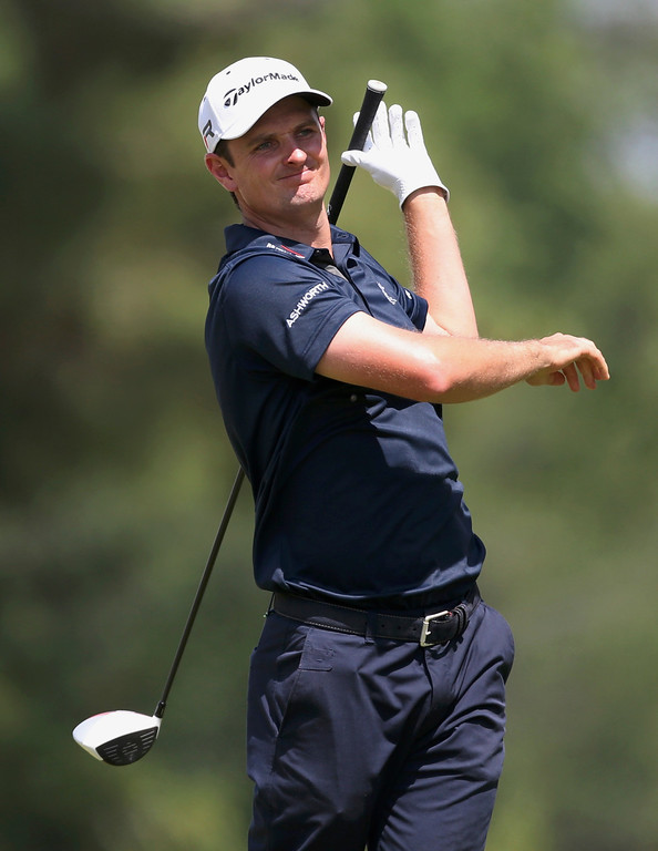 . England\'s Justin Rose watches his tee shot on the second hole during the third round of the 2013 U.S. Open golf championship at the Merion Golf Club in Ardmore, Pennsylvania, June 15, 2013. REUTERS/Adam Hunger