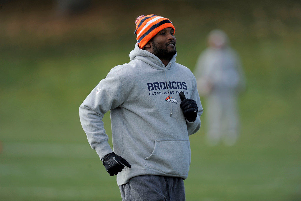 . Denver Broncos  Champ Bailey (24) gets in a jog during his workout at practice November 4, 2013 at Dove Valley (Photo by John Leyba/The Denver Post)