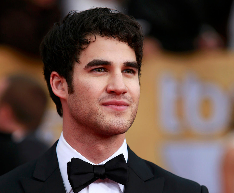 """. Actor Darren Criss of the TV series \""""Glee\"""" arrives at the 19th annual Screen Actors Guild Awards in Los Angeles, California January 27, 2013.  REUTERS/Adrees Latif"""