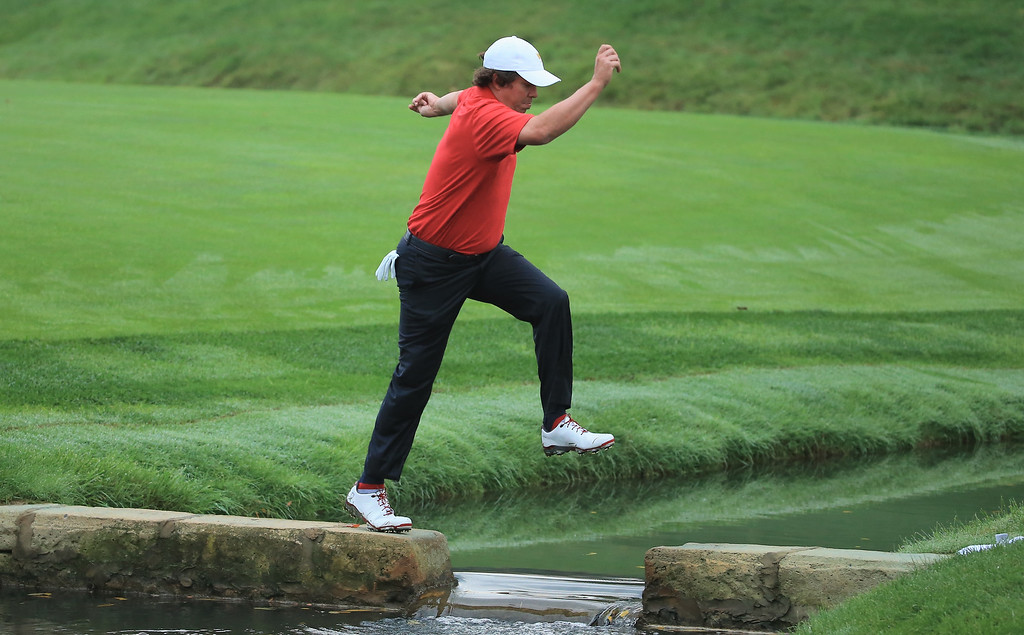 . DUBLIN, OH - OCTOBER 05:  Jason Dufner of the U.S. Team walks to the 14th green during the weather delayed Day Two Foursome Matches at the Muirfield Village Golf Club on October 5, 2013  in Dublin, Ohio.  (Photo by David Cannon/Getty Images)