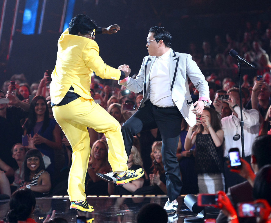 . Host Tracy Morgan and musician Psy speak onstage during the 2013 Billboard Music Awards at the MGM Grand Garden Arena on May 19, 2013 in Las Vegas, Nevada.  (Photo by Ethan Miller/Getty Images)