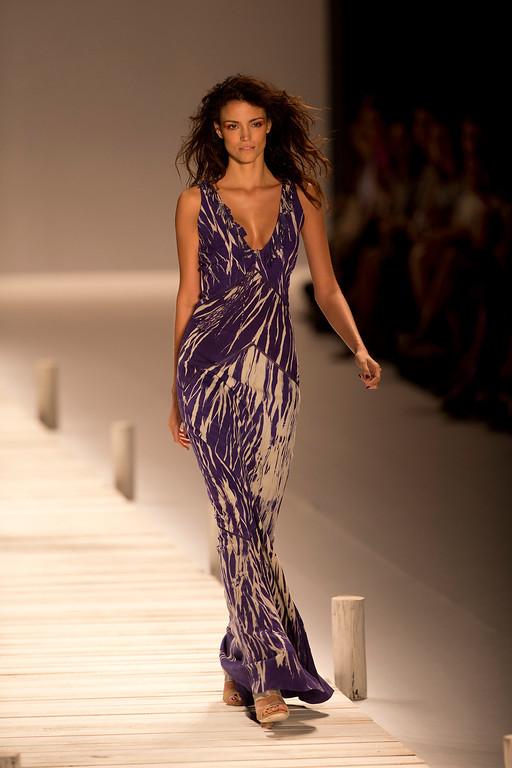 . A model wears a creation from the Patricia Viera collection during the Rio Fashion Week, in Rio de Janeiro, Brazil, Tuesday, April 8, 2014. (AP Photo/Silvia Izquierdo)