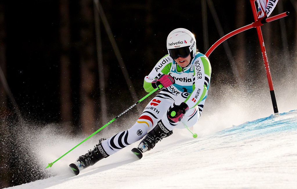 . Viktoria Rebensburg of Germany in action during the first run of the women\'s Giant Slalom race at the FIS World Cup Alpine Skiing in Beaver Creek, Colorado, USA, 01 December 2013.  EPA/JUSTIN LANE